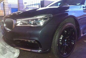 La 6e génération BMW Série 7 sans couverture #1