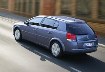 Opel Signum 3.2 V6 & 3.0 V6 CDTI #1