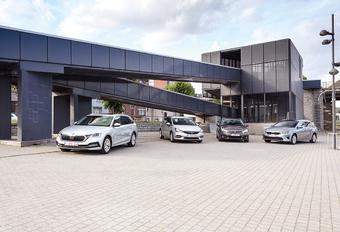 Skoda Octavia Combi vs Opel Astra Sports Tourer, Peugeot 308 SW et Kia Ceed Sports Wagon : démonstration de coffres #1