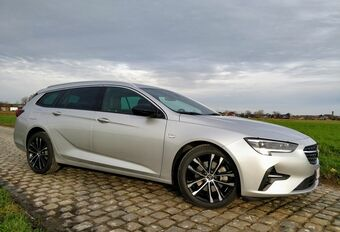 Opel Insignia Sports Tourer 1.5 Turbo D : l'art du camouflage ! #1