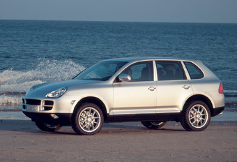 BMW X5 4.8iS vs Porsche Cayenne S #1