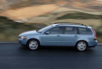 Peugeot 407 SW 1.6 HDi vs. Volvo V50 1.6D #1