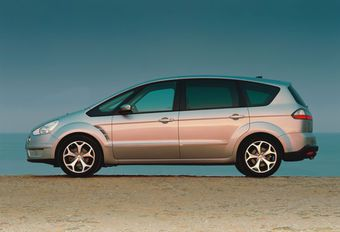 Ford S-Max TDCi & 2.5 T #1