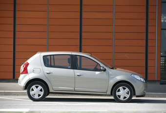 Dacia Sandero 1.4 & 1.6 #1