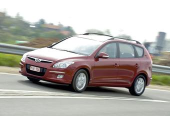 Hyundai i30 CW 1.6 & 2.0 CRDi  #1