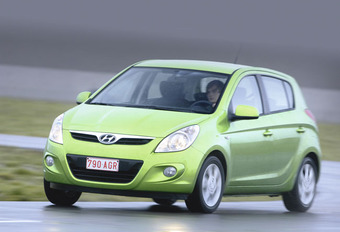 Hyundai i20 1.4 (A) & 1.4 CRDi 75  #1