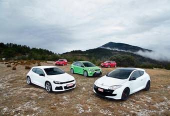 Ford Focus RS, Renault Mégane RS Cup, Volkswagen Scirocco R, Seat Leon Cupra R, Mazda 3 MPS : Le gang des tractions #1