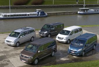Hyundai H-1 People 2.5 CRDi, Mercedes Viano 2.2 CDI, Peugeot Expert 2.0 HDi, Renault Traffic 2.0 dCi & VW Multivan 2.0 TDI : Busje komt zo? #1
