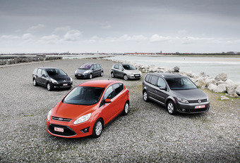 Citroën C4 Picasso 1.6 HDi 110, Ford C-Max 1.6 TDCi 115, Peugeot 5008 1.6 HDi 110, Renault Scénic 1.5 dCi 110 & Volkswagen Touran 1.6 TDI 105 : Famille, quand tu nous tiens #1