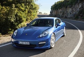 Porsche Panamera S Hybrid #1