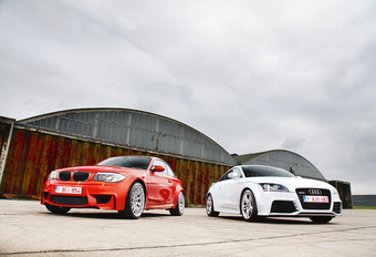 Audi TT RS vs BMW 1 M Coupé : Fun ambulantes #1