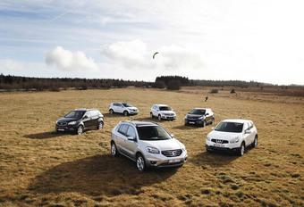 Renault Koleos 2.0 dCi, Nissan Qashqai 1.6 dCi, Hyundai ix35 2.0CRDi, Volkswagen Tiguan 2.0 TDI 136, Ssanyong Korando E-XDI200 175 en Kia Sportage 2.0 CRDi : Illusionisten #1