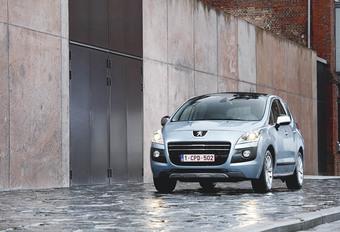 Peugeot 3008 Hybrid4 #1