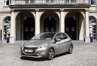 Peugeot 208 1.6 e-HDi 115 #1
