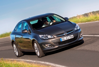 Opel Astra Sports Sedan #1