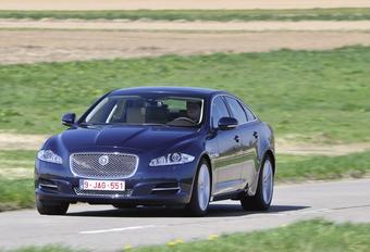 Jaguar XJ 3.0 V6 AWD #1