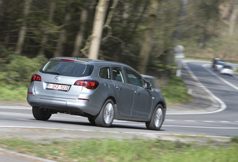 Opel Astra Sports Tourer 1.6 CDTI 136 #1