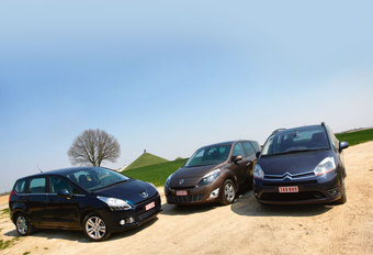 CITROËN GRAND C4 PICASSO 1.6 HDi • PEUGEOT 5008 1.6 HDi • RENAULT GRAND SCENIC 1.5 dCi 110 : Franse haantjes #1