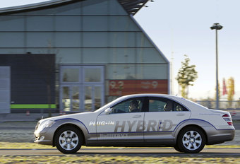 MERCEDES S PLUG-IN HYBRID - Prototypetest #1