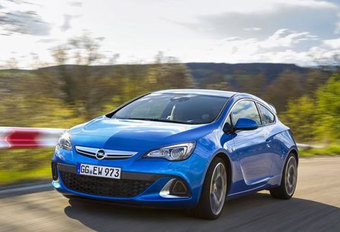 OPEL ASTRA OPC (2012) #1