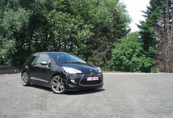 CITROËN DS3 CABRIO 1.6 THP (slot) #1