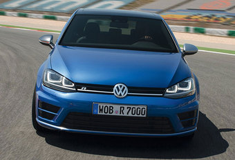VOLKSWAGEN Golf R 4MOTION (2014) #1