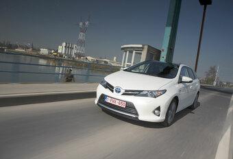 LANGEDUURTEST: Toyota Auris Touring Sports Hybrid (slot) #1
