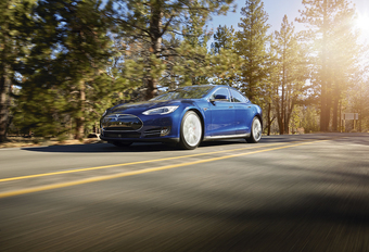 Tesla Model S Dual Motor #1