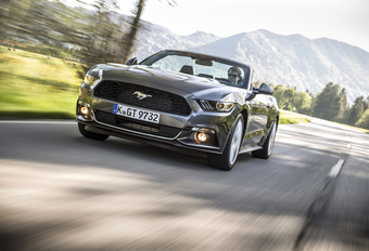 Ford Mustang Cabrio #1