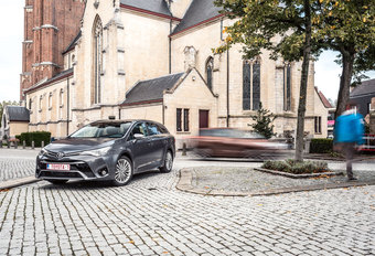 TOYOTA AVENSIS TOURING SPORTS 2.0 D-4D : Evergreen #1