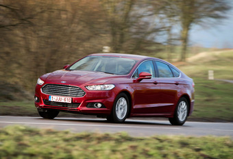 Ford Mondeo 1.0 EcoBoost : A 3 pattes #1