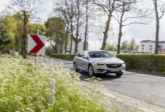 Opel Insignia Grand Sport 2.0 CDTI : Tout en maîtrise #1