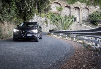 Alfa Romeo Stelvio Super 2.0 Turbo Q4 : Le modèle de la relance #1