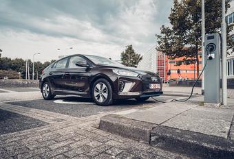 Hyundai Ioniq Plug-in Hybrid (2017) #1
