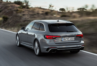 Audi RS4 Avant (2018) #1