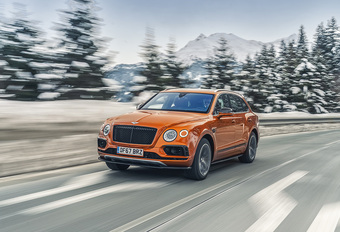 Bentley Bentayga V8 (2018) #1