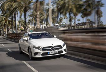Mercedes-Benz CLS – Cool attitude #1