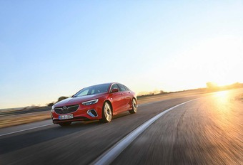 Opel Insignia Grand Sport GSi  : Miss Good Grip    #1