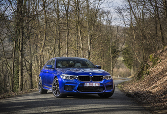 BMW M5: Superberline #1