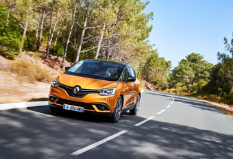 Renault Scénic 1.3 TCe 160 EDC (2018) #1