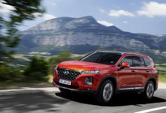 Hyundai Santa Fe 2.2 CRDI 4WD 8AT (2018) #1