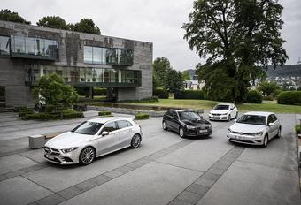 Mercedes A-Klasse vs 3 compacte middenklassers #1
