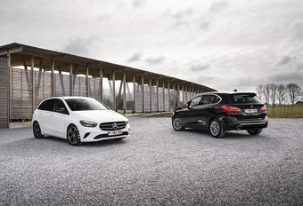 BMW 218i Active Tourer 136 A vs Mercedes B 180 A #1