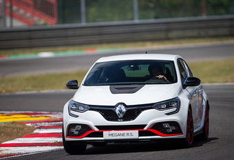 Renault Mégane R.S. Trophy-R: Circuit in het bloed #1