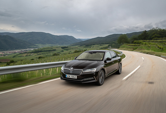 Skoda Superb 1.5 TSI : rester au contact #1