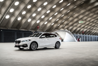 BMW 118i : BUITEN  BEENTJE AF #1