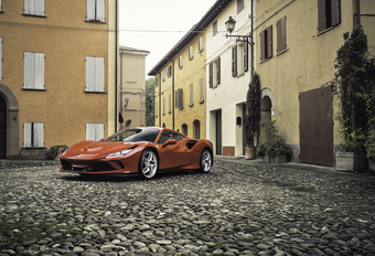 Ferrari F8 Tributo : la voiture de sport parfaite ? #1