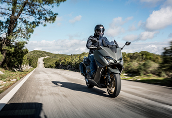 Yamaha TMAX 560 : Toujours plus haut   #1