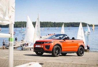 Non content d'être la plus grande réussite de Land Rover en termes de ventes, le Range Evoque se met en 4 pour ouvrir sa sphère d'activité – déjà très large – au plein air ! Ce qui, pour un SUV, devrait aller de soi !