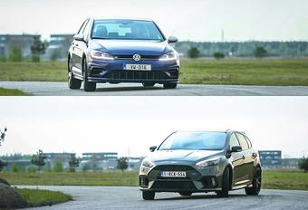 Proches en performances, les Ford Focus RS et Golf R se tirent une bourre d'enfer face au chrono. Bien, sauf que ces deux là révèlent aussi des caractères radicalement opposés. Allez, montez, on vous emmène et on vous explique.